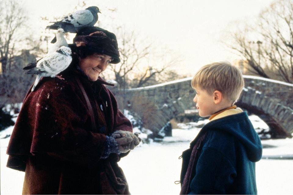 Iti aduci aminte de doamna cu porumbei din  Singur Acasa 2 ? Cum arata cea care l-a salvat pe Kevin din mana talharilor