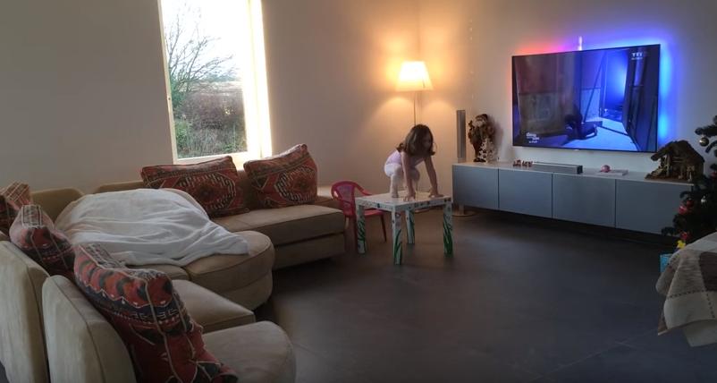 Un tatic a montat o camera de filmare in apropierea fetitei sale de 4 ani. Ce a descoperit a devenit viral VIDEO