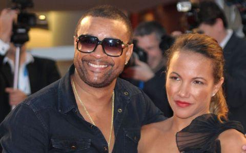 Shaggy si sotia s-au fotografiat imbracati in ie si au publicat imaginea pe Facebook. Cum au reactionat romanii