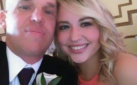 In urma cu un an nici nu se cunosteau, dar acum sunt deja logoditi. Povestea de dragoste a acestor tineri este geniala
