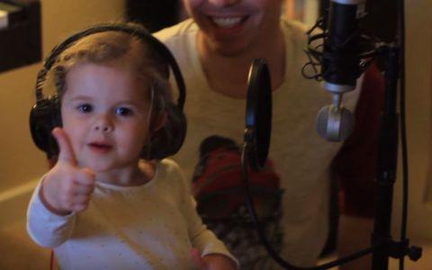 Are doar 3 ani, dar talentul ei e remarcabil. Tatal ei a reusit sa o tranforme intr-o mica vedeta - VIDEO