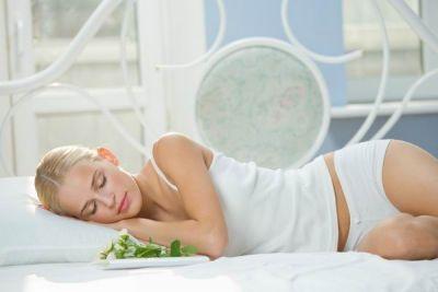 5 modalitati de a slabi in timpul somnului. Ce poti face pentru a pierde din greutate