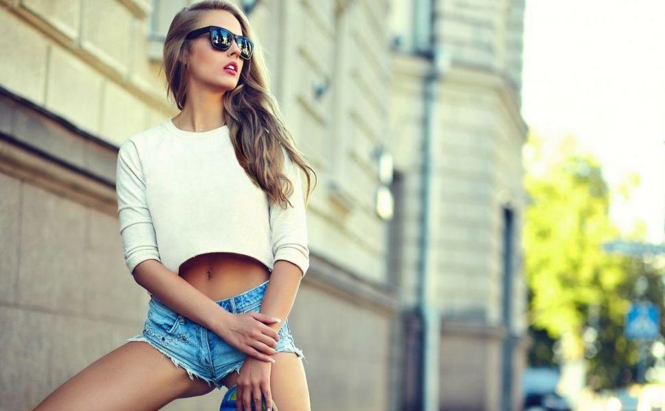 Blugii pe care ii porti iti tradeaza personalitatea. 11 lucruri pe care jeansii le spun despre tine