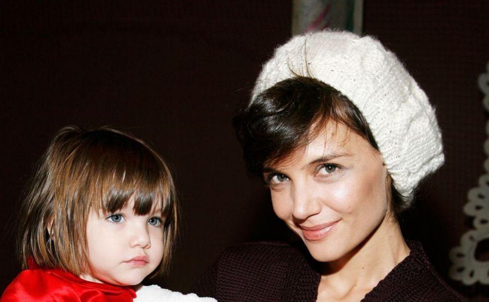 Asa mama, asa fiica! Uite cat de frumoasa s-a facut si cum arata acum Suri, fiica lui Katie Holmes si a lui Tom Cruise