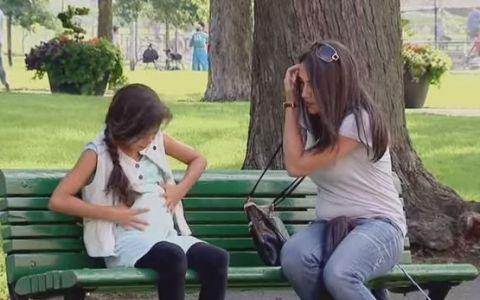 O farsa de milioane! Tu ce ai face daca ai vedea o fetita care pare pe punctul de a naste? Vezi reactiile oamenilor