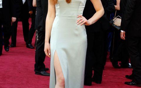 S-a transformat dintr-o adolescenta timida intr-o femeie adevarata. Sansa din Game of Thrones, seducatoare la Oscaruri