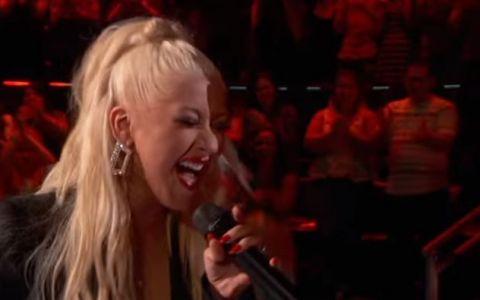 Concurentul care a impartit scena cu Christina Aguilera, inca de la auditii. Un duet care trebuie ascultat