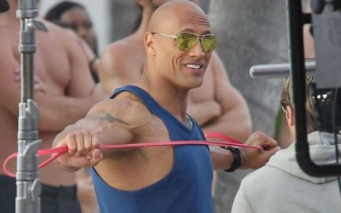 Dwayne The Rock Johnson, imagini de colectie. Cum arata muschii actorului in ultimele fotografii