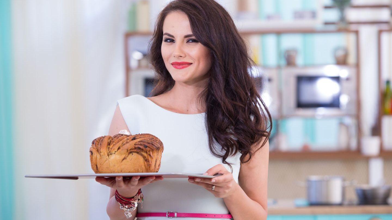 Luni facem cele mai gustoase deserturi pentru Nea Rata! Nu rata o noua editie Bake Off Romania, de la 20:30, la PROTV!