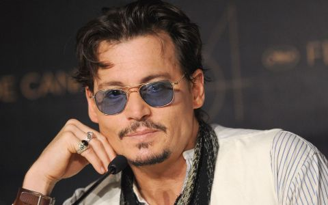 E combinatia perfecta dintre Johnny Depp si Vanessa Paradis. Cat de frumoasa e fiica lor de 17 ani