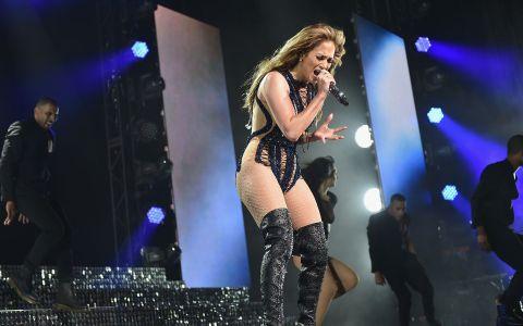 Cel mai sexy corp din showbiz, fara efecte speciale. Ce s-a vazut in cel mai recent concert al lui Jennifer Lopez