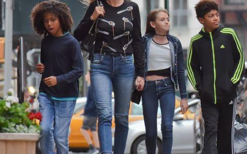Ea e singura care ii poate face concurenta Angelinei Jolie la capitolul copii. Cat de frumosi sunt cei 4 copii ai lui Heidi Klum, facuti cu doi tati diferiti
