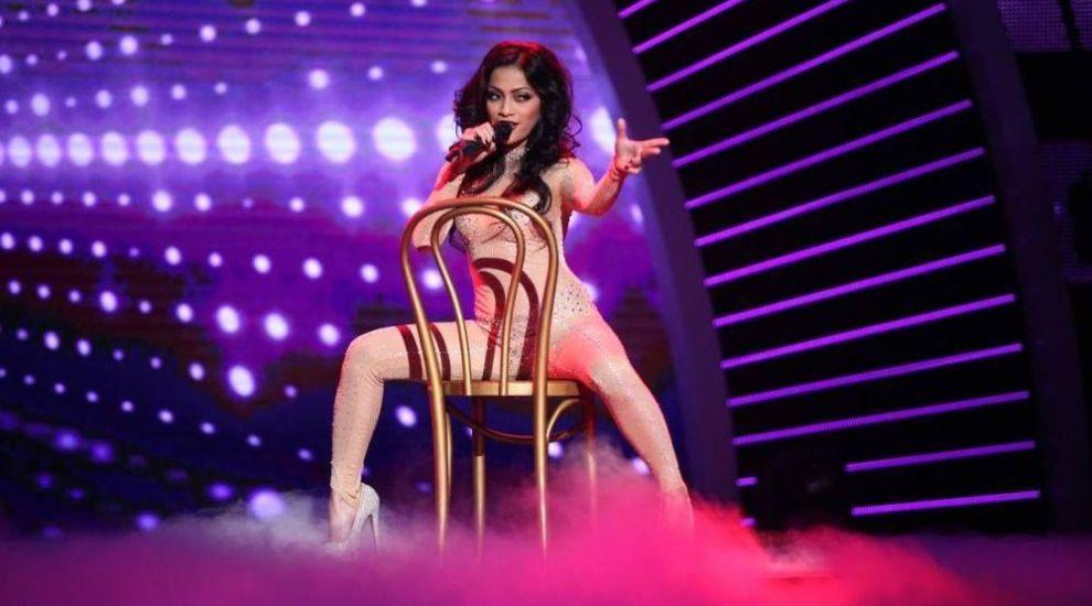 A impresionat cu vocea si frumusetea ei pe scena de la Romanii au talent! Cum arata Resciebelle Santiago in costum de baie