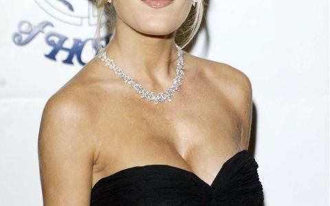 Donna din  Beverly Hills , de nerecunoscut la 43 de ani. Cum a aratat Tori Spelling la cele mai recente aparitii publice