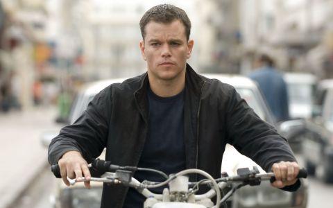 A primit cate un milion de dolari pentru fiecare replica. Matt Damon, actorul care face bani din piatra seaca in  Jason Bourne