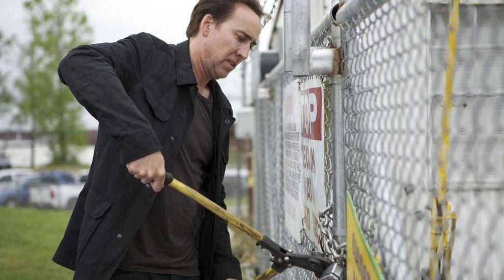 Nicolas Cage se mandreste cu familia lui. Cum arata sotia de origine romana a fiului sau