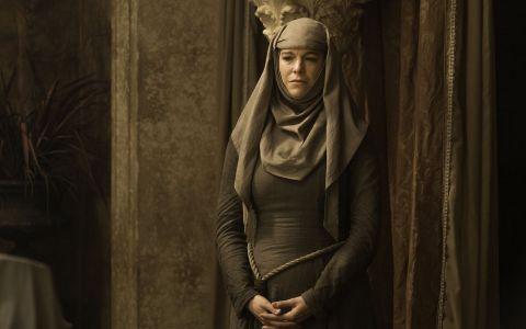 Fanatica religioasa in  Game of Thrones , in realitate o femeie atragatoare. Cum arata  Septa Unella  in viata de zi cu zi