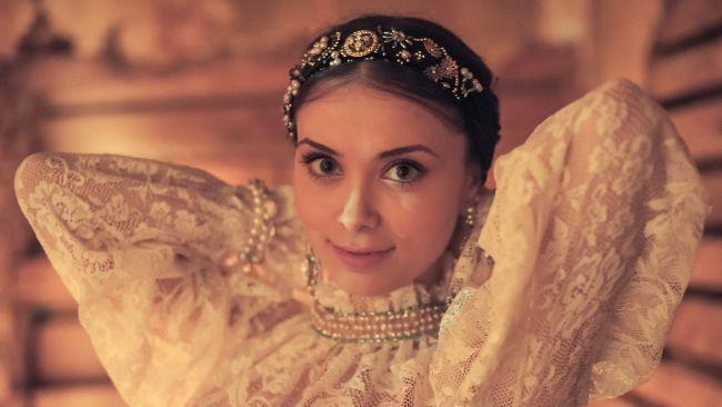 """Cat de frumoasa este Anca Dumitra, interpreta Gianinei din """"Las Fierbinti"""" cand nu apare la TV"""