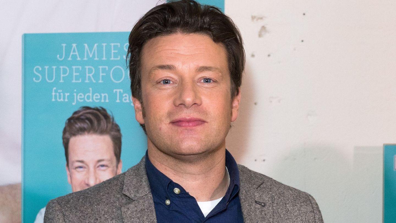 Vestea care i-a incantat pe fanii lui Jamie Oliver: celebrul bucatar a devenit tata pentru a cincea oara. Cum arata baietelul lui