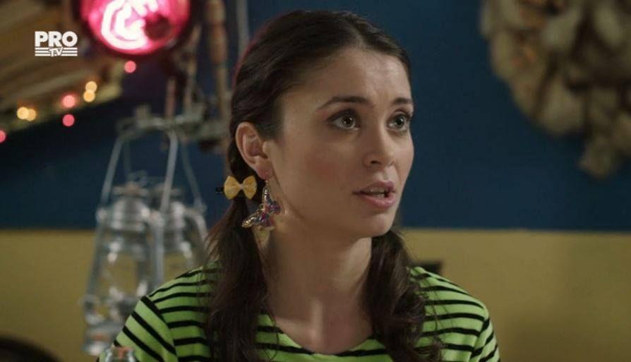 Anca Dumitra, alaturi de mama ei. Cat de frumoasa este femeia si cat de mult seamana actrita cu ea