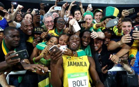 Usain Bolt si-a cerut iubita in casatorie. Imaginea care a facut inconjurul internetului