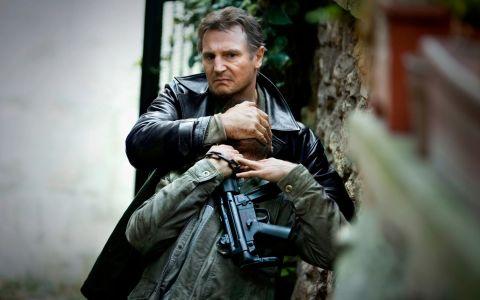 Transformarea incredibila pe care a suferit-o Liam Neeson pentru rolul care ii poate aduce o nominalizare la Oscar. Ce a facut actorul