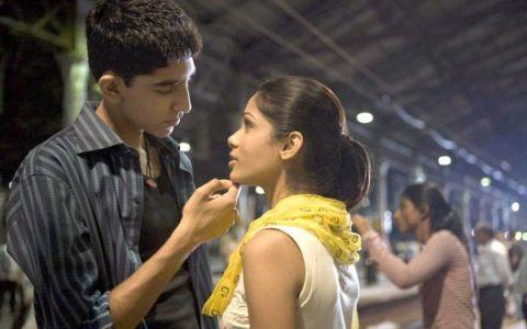Transformare totala. Cat de diferit arata Dev Patel la 8 ani de la filmul care l-a facut vedeta, Slumdog Millionaire