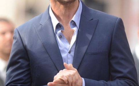 Nu o sa-ti vina sa crezi cum arata la plaja sotia lui Hugh Jackman, unul dintre cei mai sexy barbati de la Hollywood