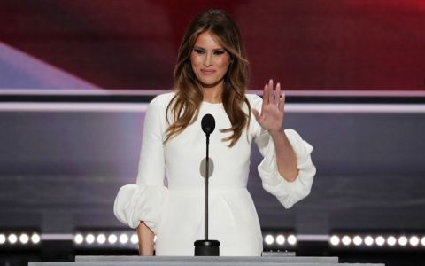Designerul care a imbracat-o pe Michelle Obama promite sa nu lucreze niciodata cu Melania Trump