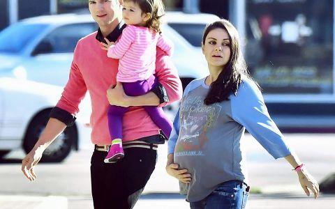 Mila Kunis si Ashton Kutcher au devenit parinti pentru a doua oara. Ce nume inedit au ales pentru baietel