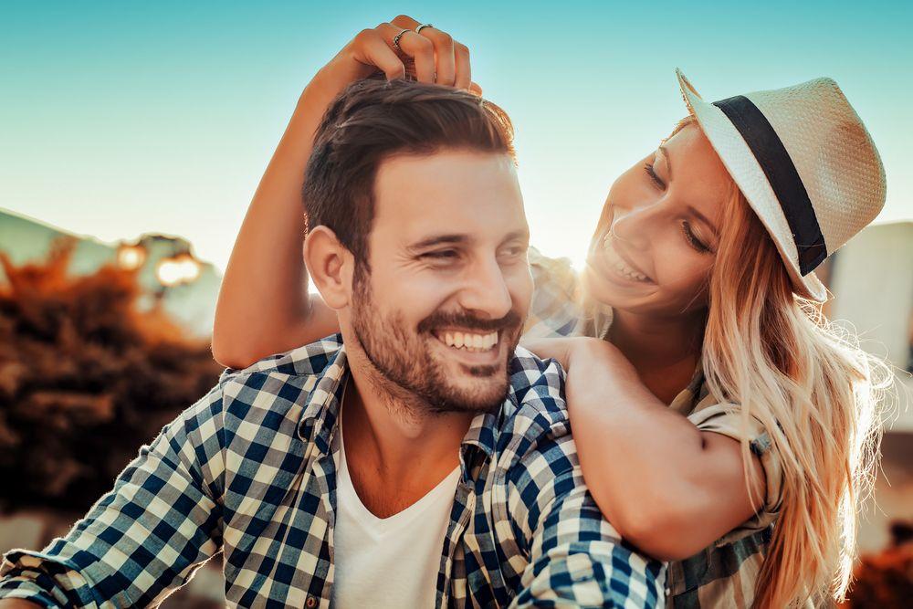 Diferenta ideala de varsta intr-un cuplu.Cati ani ar trebui sa fie intre voi ca sa aveti o relatie fericita si de durata