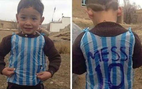 Baietelul afgan, devenit star pe internet cu cel mai original tricou al lui Messi, si-a intalnit in sfarsit idolul