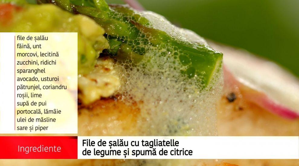 File de salau cu tagliatelle de legume si spuma de citrice
