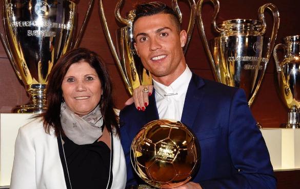El este unul dintre cei mai indragiti fotbalisti din lume, dar ea este o prezenta discreta. Cum arata sora lui Ronaldo