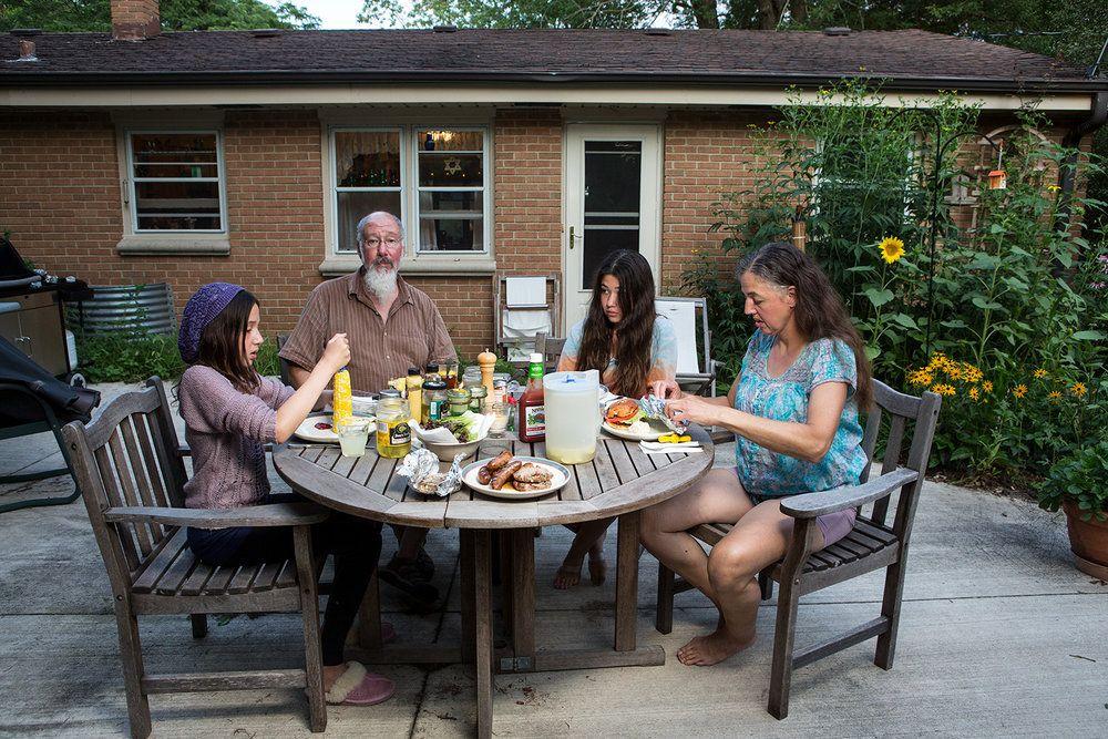 Cum arata cina in 36 de familii complet diferite. Proiectul foto care a cucerit internetul