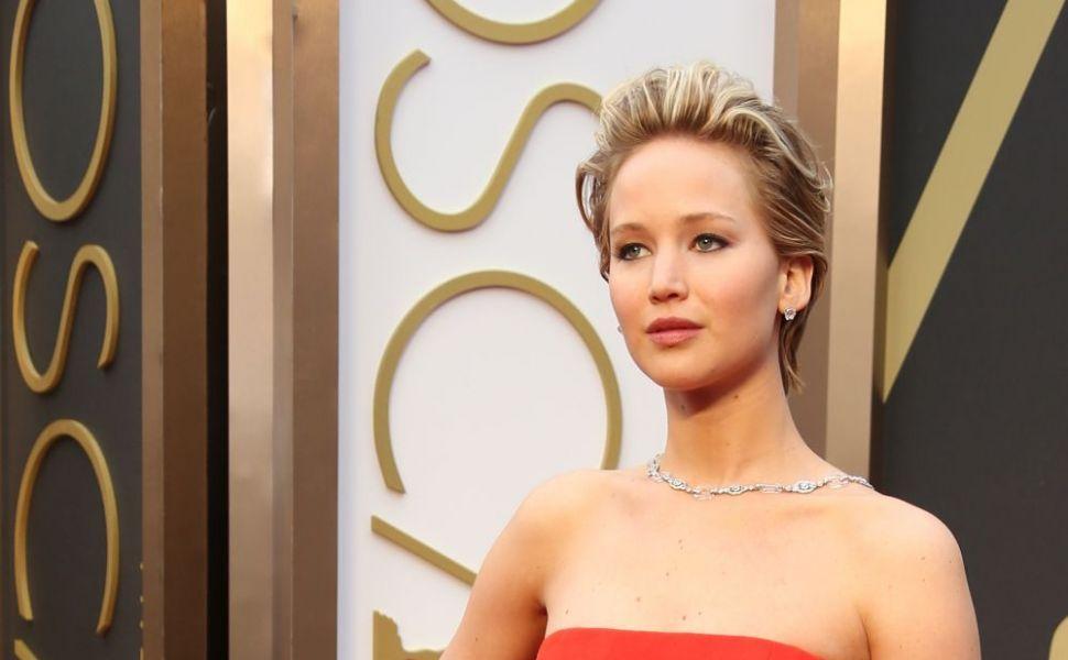 Jennifer Lawrence, relatie cu un barbat mai batran? Cum arata regizorul de 47 de ani cu care s-ar iubi actrita