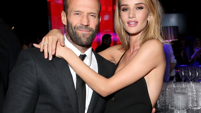 Rosie Huntington-Whiteley si Jason Statham urmeaza sa devina parinti. Cum au anuntat marea veste