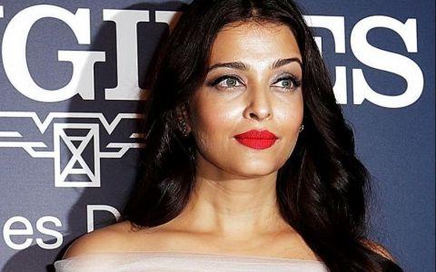Chipul ei e de o frumusete rapitoare. Putini isi mai amintesc cum arata Aishwarya Rai cand a castigat Miss World