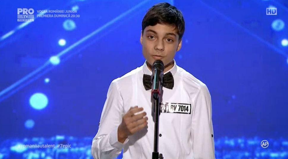 Vocea lui i-a impresionat pe jurati pana la lacrimi. Ce s-a intamplat cand acest tanar de 15 ani a inceput sa cante