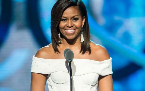 Momentul pe care presa l-a asteptat 8 ani! Adevarul despre parul lui Michelle Obama. Cum arata fara mese si peruci