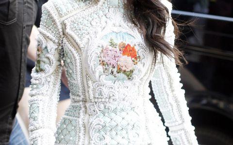 Adevarul despre silueta lui Kim Kardashian. Cum arata vedeta de reality show in costum de baie