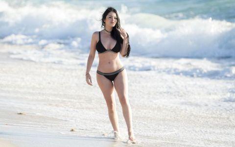 Din fata seamana cu Megan Fox, din spate cu Kim Kardashian. Cum arata brazilianca devenita faimoasa pe Instagram