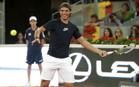 Rafael Nadal, la plaja alaturi de iubita. Cum au fost surprinsi cei doi cand nu se asteptau sa fie fotografiati