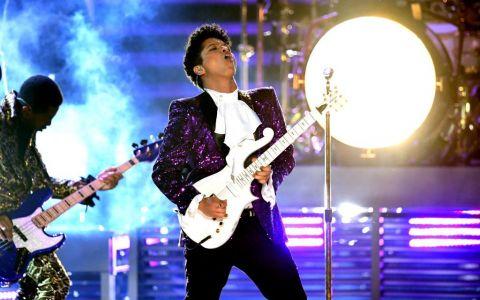 Bruno Mars si-a impresionat fanii cu un gest emotionant. Ce a anuntat artistul la ultimul concert sustinut