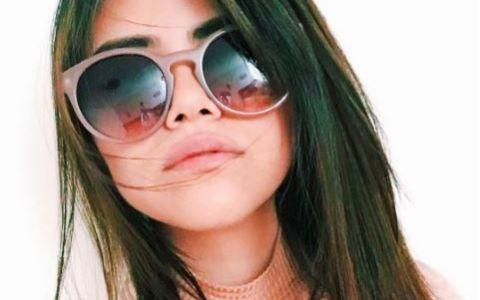Seamana izbitor cu Selena Gomez, dar asta nu e tot.Cine e femeia care se iubeste cu sosia mai tanara a lui Justin Bieber
