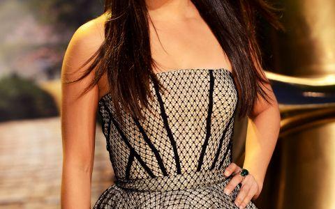 Mila Kunis nu mai arata asa! Actrita s-a tuns si e blonda. Cum o prinde aceasta schimbare de look spectaculoasa