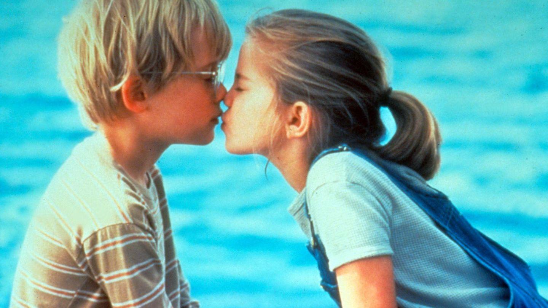 Primul sarut din viata lui Macaulay Culkin a fost cu ea! Cum arata acum fetita superba care a facut furori in  My Girl