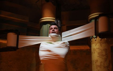Razvan Fodor, la un pas de mumificare intr-o proba din Fort Boyard! DUMINICA, de la 20:30, la PRO TV