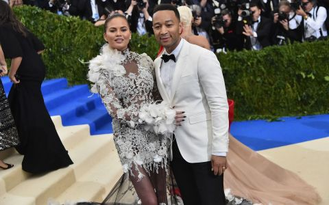 Chrissy Teigen si John Legend vor fi din nou parinti