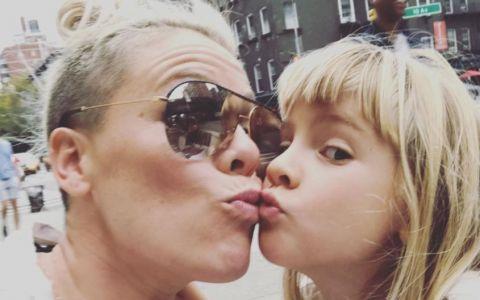 Pink, declaratie controversata cu privire la fiica sa. Anuntul facut de vedeta a starnit discutii aprinse